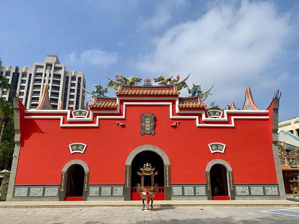 立委陳雪生8月3日陪同韓國瑜至八德龍山寺五靈公廟上香  附加圖片